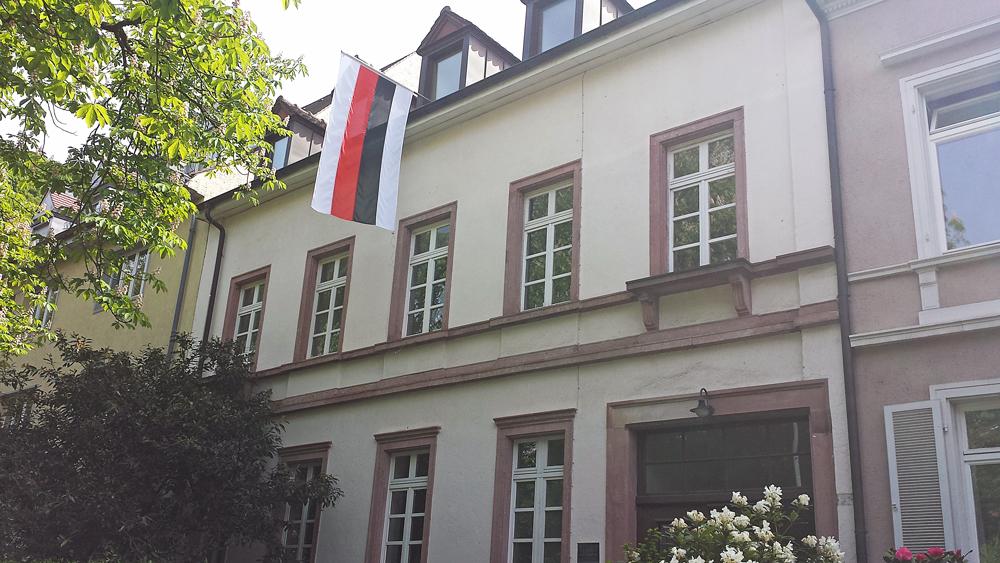 Strassenansicht-Corpshaus-Hasso-borussia-mit-Fahne